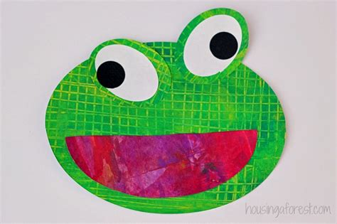 oval crafts for preschoolers gallery 529 | Frog Preschool Craft Eric Carle inspired textured frogs 1