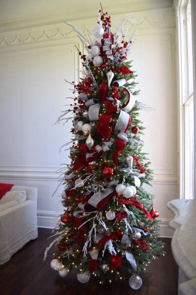 Brad Schmidt's Red, White, And Sparkle Christmas Tree