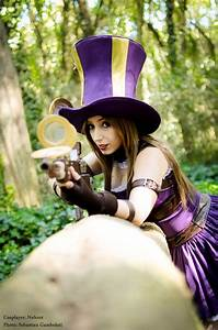 Caitlyn, the Sheriff of Piltover by Neferet-Cosplay on ...