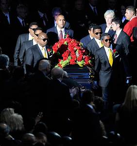 Marlon Jackson Photos Photos - Memorial Service For ...