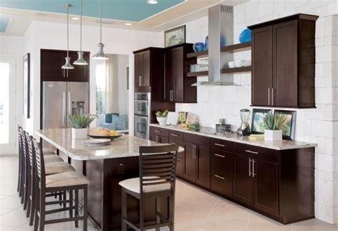 coffee color kitchen cabinets barhocker f 252 r k 252 che gestalten sie den bereich um die 5522