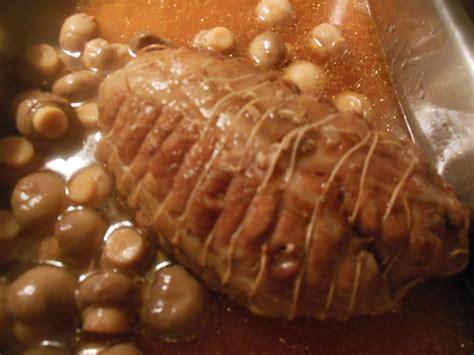 cuisiner le veau en cocotte rôti de veau en cocotte aux chignons le de