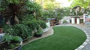what does a garden designer do
