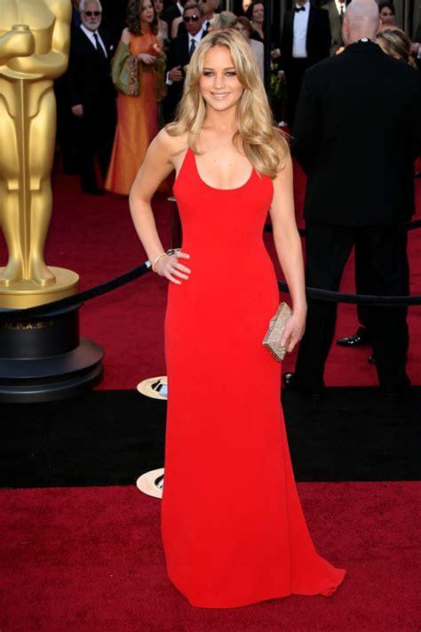 Jennifer Lawrence Red Carpet Photos At 2011 Oscars