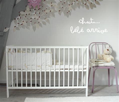chambre de bébé mixte conseils pour préparer la chambre de bébé avant sa naissance