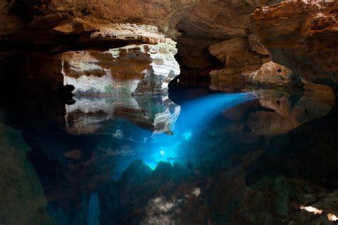 pic of shower guide to chapada diamantina poço azul