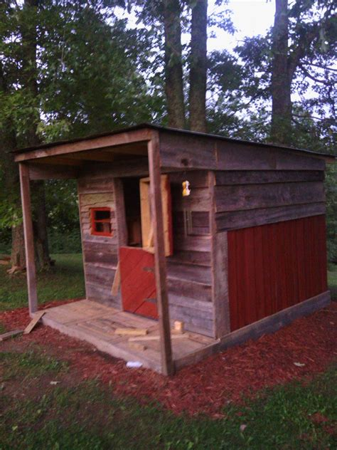 pallet clubhouse