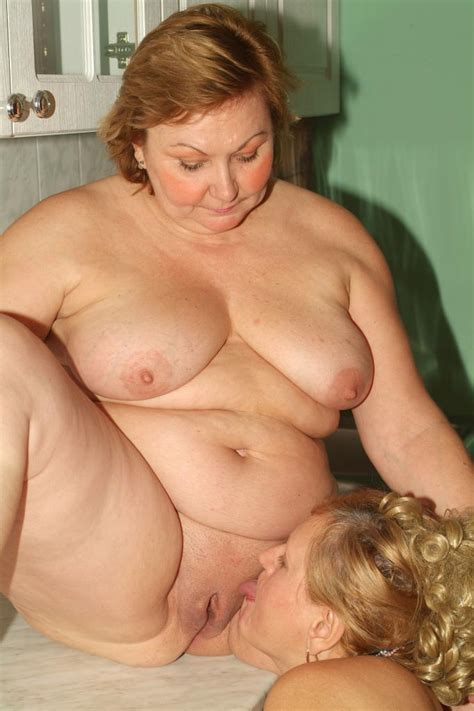 Mature Lesbian Plumpers Anna And Yolanda Engage In Lesbian