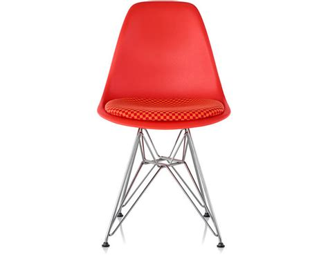 eames 174 wire base side chair with seat pad hivemodern
