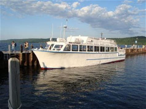 Boat Tours In Pictured Rocks by Highway Runner Pictured Rocks Boat Tour Munising Mi