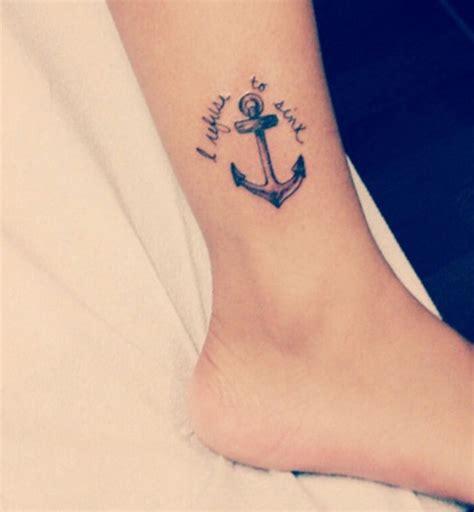 tatouage cheville chaine femme tattoo art
