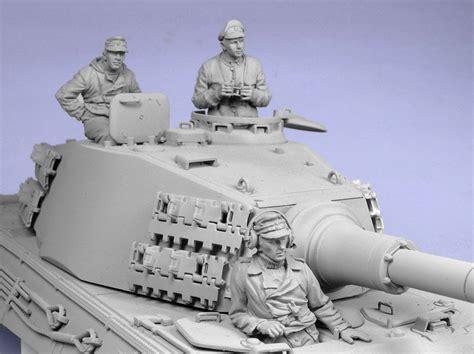 german tank crew winter    figures