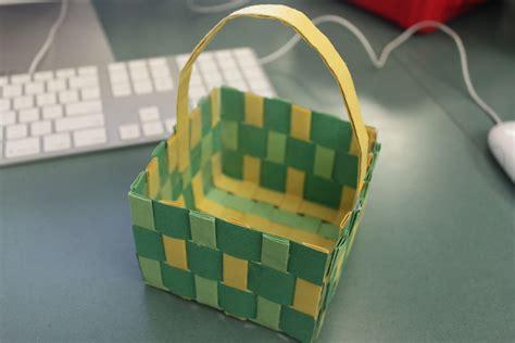 sturdy paper basket weaving  steps