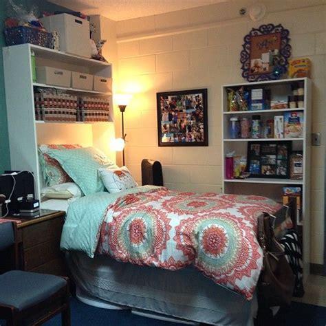 images  college dorm  pinterest dorm