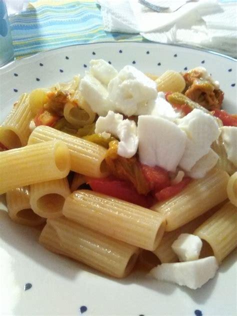 fiori di zucca con mozzarella pasta con fiori di zucca pomodorini e mozzarella home