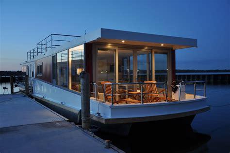 Häuser Urlaub by Hausboot Mieten An Der Ostsee Darss Ribnitz Damgarten