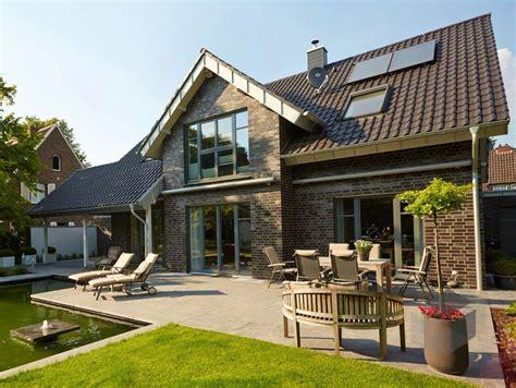 Moderne Häuser Preiswert by Vahrenheide Gussek Haus Klassiker Satteldach H 228 User