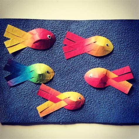 anleitung regenbogenfisch mit gewebter flosse gratis