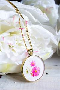 DIY Birth Month Flower Pendant Resin Jewelry - Resin Crafts