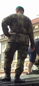 Armorama :: Modern Czech tank crew