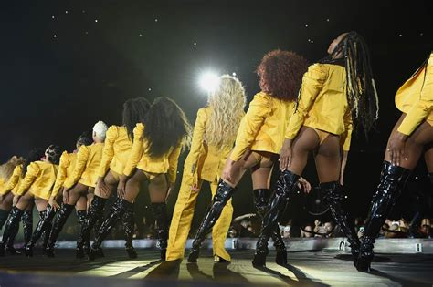 serena williams  jay  join beyonce  stage  final