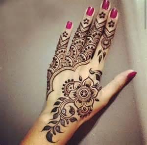 henne mariage les 25 meilleures idées concernant modèles tatouages au henné sur tatouages au henné