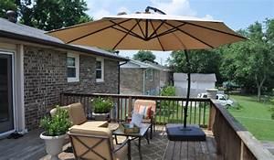 Sonnenschirme Für Den Balkon : durch sonnenschirm balkon und garten vor der sonne schonen ~ Michelbontemps.com Haus und Dekorationen