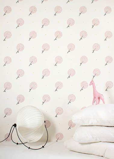 papier peint pour chambre bebe fille papier peint design et poétique pour une chambre d 39 enfant