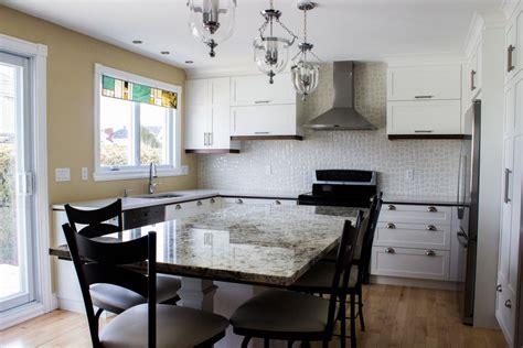 cuisine en ilot armoires de cuisine en polyester blanc îlot en granit