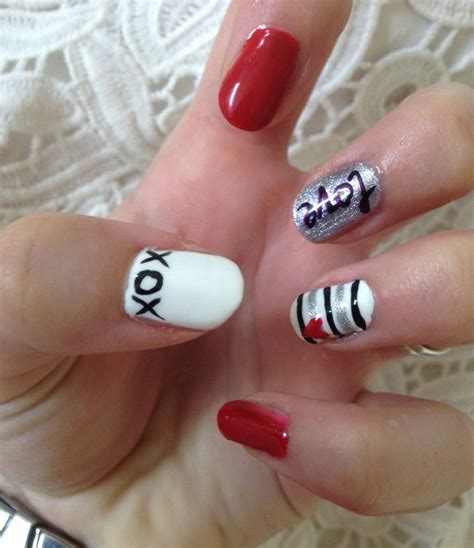 valentines day pink silver  white nails style