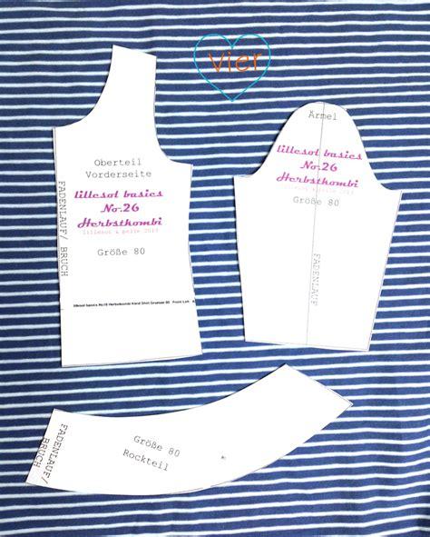 Puppenkleidung nähen puppenhose und puppenshirt mit schnittmuster zum ausdrucken schrittweise anleitung mit fotos. 7. Türchen - Anleitung + kostenloses Schnittmuster für Puppenkleidung | lillesol & pelle ...