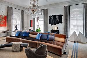 installing art at the kips bay decorator show house ilevel With interior home decorating shows