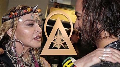 madonna illuminati madonna y maluma la ascensi 243 n illuminati quot en vivo quot de los