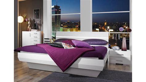 Bettanlage Tira Weiß Hochglanz Bett Mit Zwei Nachtkonsolen