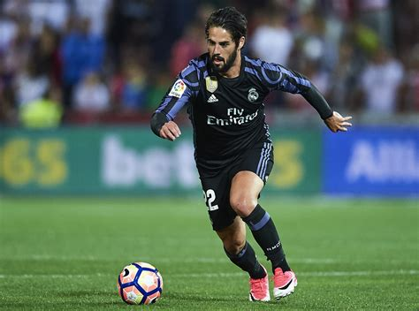 real madrid fans react to isco 39 s away goal after frantic first half
