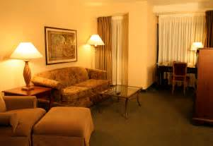 file hotel suite living room jpg
