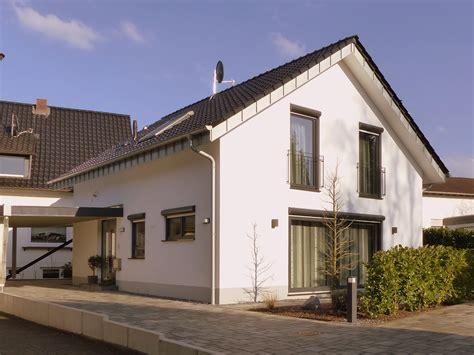 Was Ist Ein Satteldach by Einfamilenhaus Mit Satteldach Bauunternehmen Elberskirch