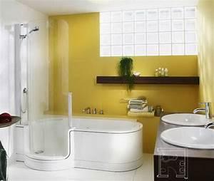 Badewanne Und Dusche Kombiniert : kleine b der mit dusche und badewanne ~ Buech-reservation.com Haus und Dekorationen