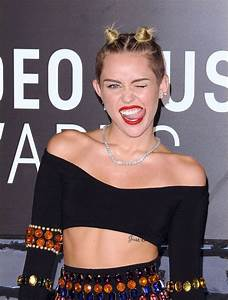 From Twerking To Tears Miley Cyrus39 Stunning VMA