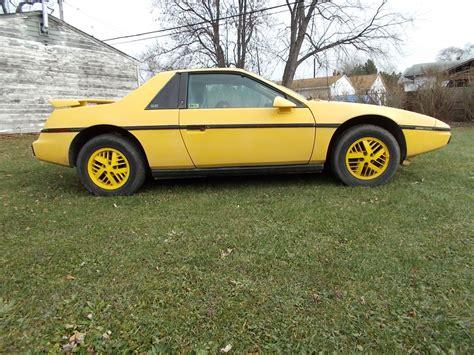 Pontiac Fiero Se by 1984 Pontiac Fiero Se Coupe 2 Door 2 5l Automatic Sunroof