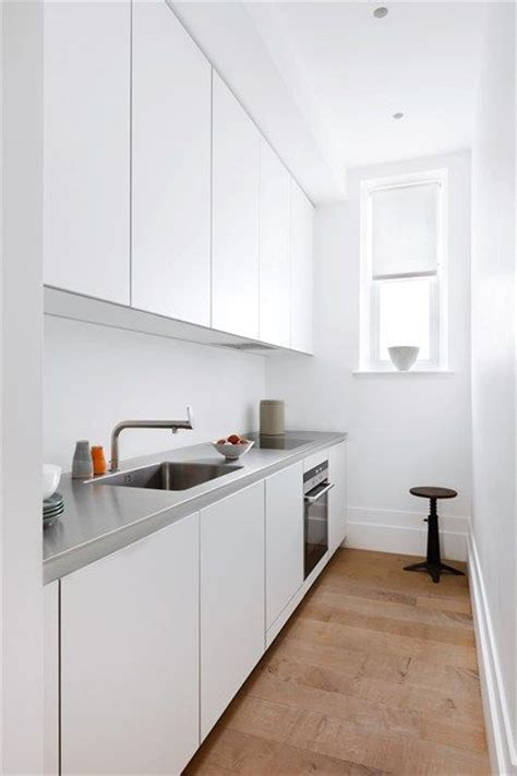 narrow kitchen ideas uk 25 best ideas about small galley kitchens on