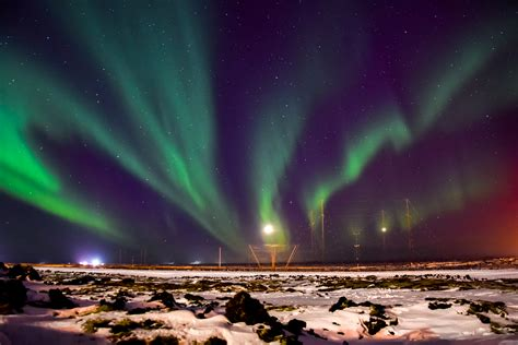 reykjavik northern lights tour by minibus iceland happy northern lights tour from reykjav 237 k guide to iceland