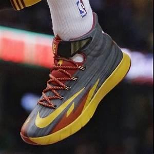 Kyrie Irving in his Nike hyperrev PE | Kicks On Court ...  Hyperrev