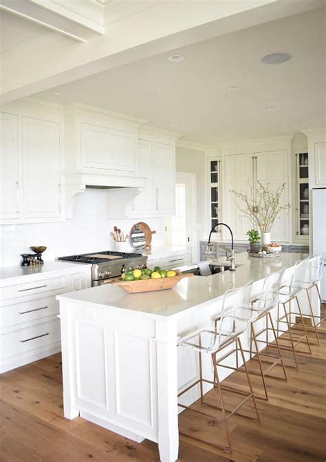 nantucket inspired white kitchen design home bunch interior design ideas