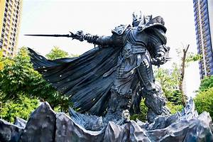 Taiwan gets a giant bronze statue of Arthas, the Lich King ...