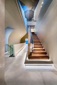 Indirekte Beleuchtung Treppe : die 25 besten ideen zu treppenstufen auf pinterest redo treppe treppe versch nerung und ~ Pilothousefishingboats.com Haus und Dekorationen