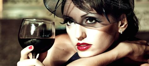 Sieviete un alkohols: paskaties, ko viņa dzer un zināsi ...
