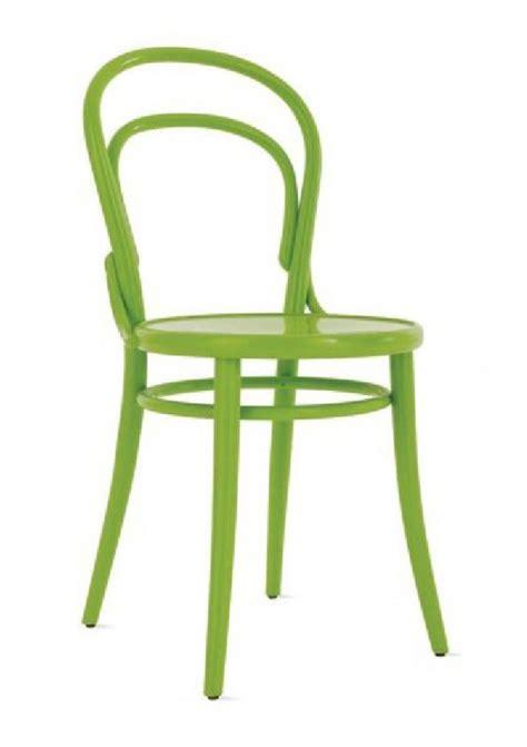 chaise verte célèbre et indémodable chaise thonet n 14 meuble et