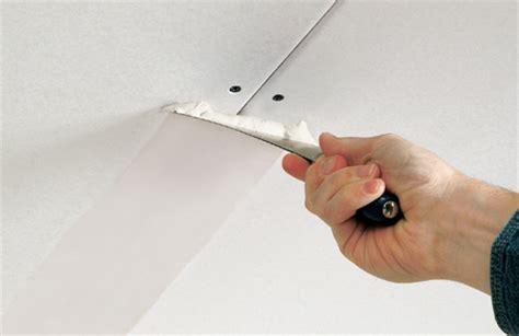 l ophangen aan schuin plafond huis muur afwerking gipsplaten afwerken gyproc