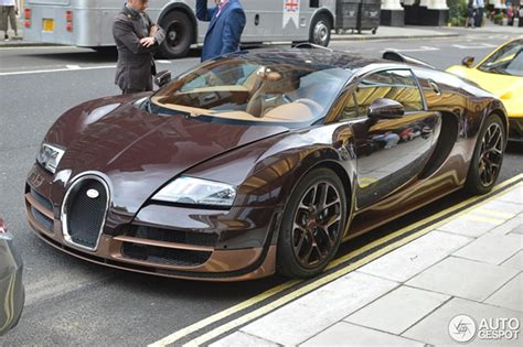 The body is to be colored completely in black. Spotted: second Bugatti Veyron 'Les Légendes de Bugatti'